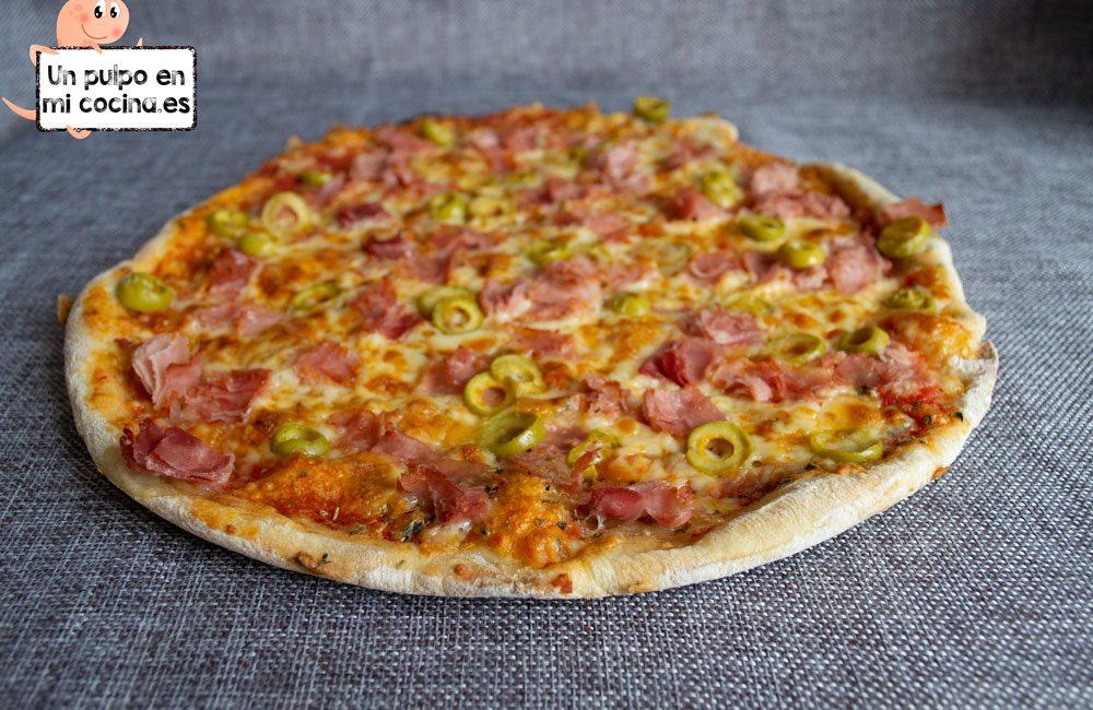 Pizza fina y crujiente